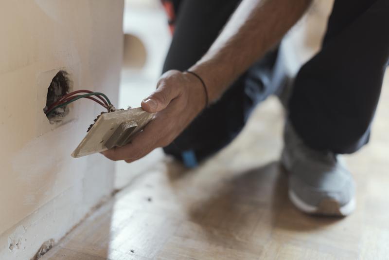 Installing Wall Sockets